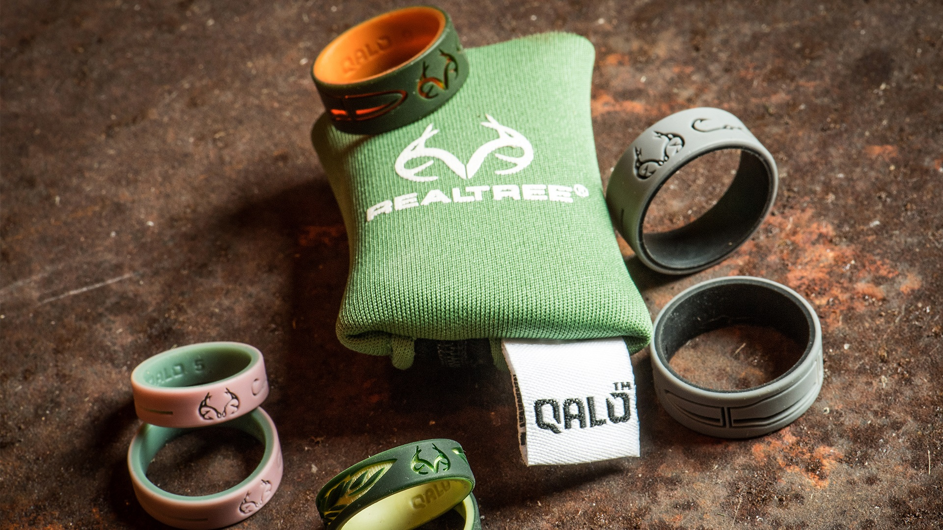 QALO Womens Realtree Strata Silicone Wedding Ring Collection