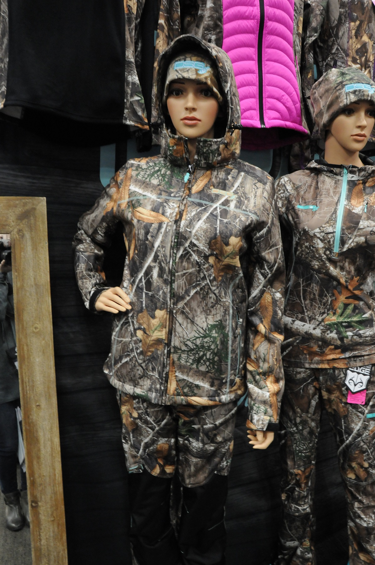 3a73f7f102a70 DSG Outerwear Shows Off New Realtree EDGE Women's Apparel at 2018 ATA Show