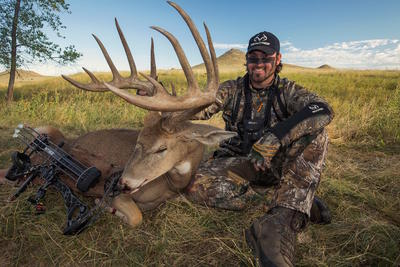 Nate Hosie with his biggest buck ever. Image courtesy of Nate Hosie