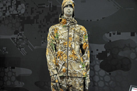 e0394245bf95f Rocky Stratum All Season Jacket and Pants in Realtree EDGE Camo