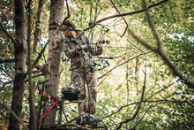 Hoyt Eclipse Women's Bow in Realtree EDGE® Camo Preview