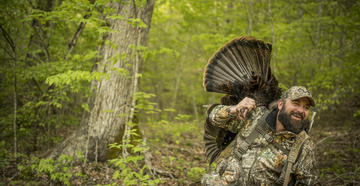 Use these turkey hunting tips for public land gobblers. (© Bill Konway photo)