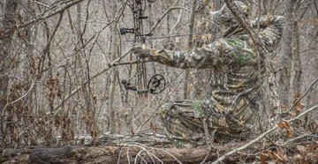 50 Bowhunting Tips to Read on Stand