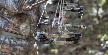 Bow Review: 2019 Mathews Vertix in Realtree EDGE Camo