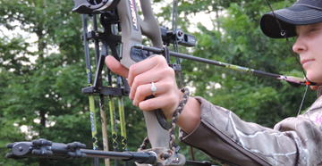 Things You Need to Know Before Introducing a Woman to Bowhunting