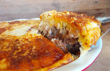 Venison burger, bacon, jalapenos and melted cheese, all topped by flaky golden crust, this cheeseburger pie is one you will want to make again and again.
