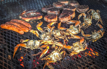 Stay out of the kitchen and grill your freshly caught crabs over open coals.