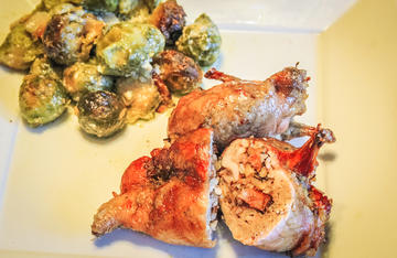 The boneless quail are easy to eat with a knife and fork. No messy fingers.