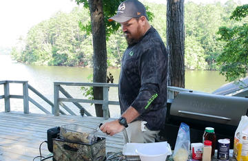 Duck Commander's Justin Martin shares his family recipe for a fish fry.
