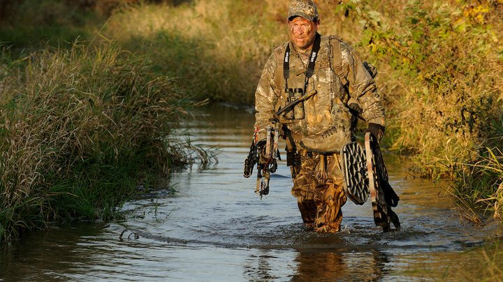 How to Pack Hunting Gear on Long Walks to the Treestand Preview Image
