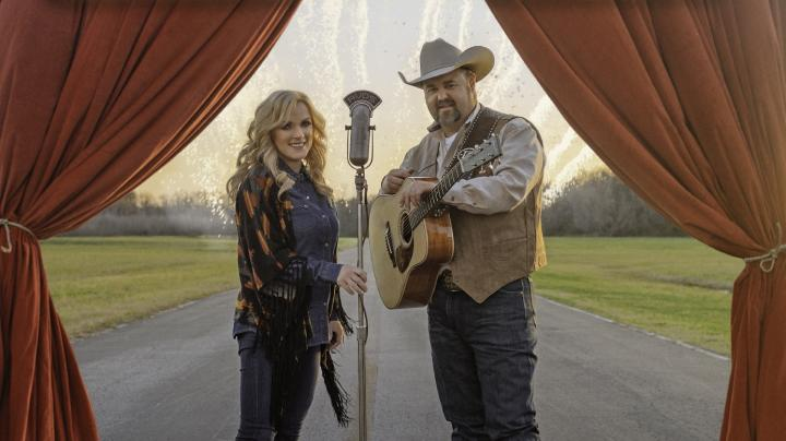 Daryle Singletary Teams Up with Rhonda Vincent for New No. 1 Album Preview Image