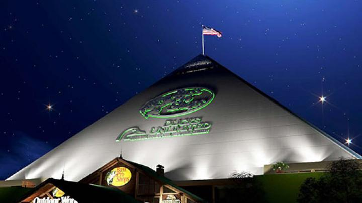 New Bass Pro Shops Includes Waterfowler Paradise Preview Image