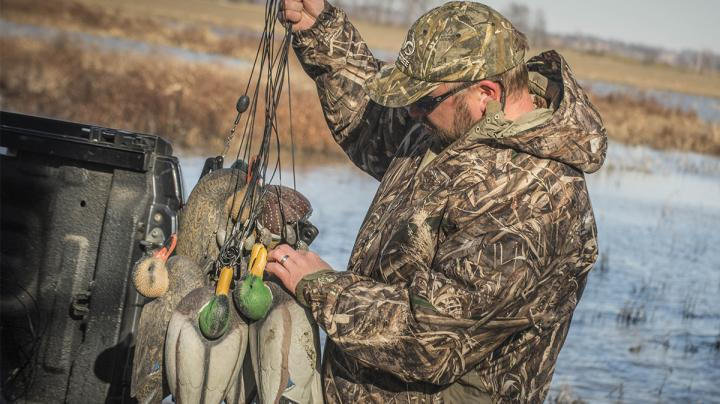 Texas-Rigging Decoys: Pros and Cons Preview Image