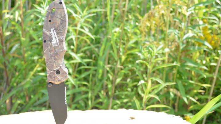 Review: Milwaukee Fastback Knife Preview Image