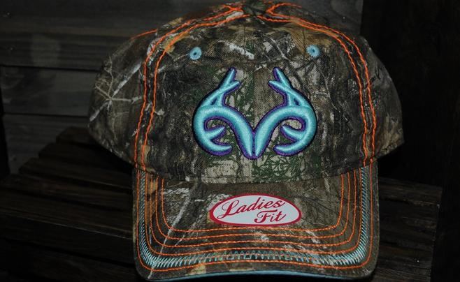 2018 SHOT Show -- Women's Realtree Apparel and Gear Preview Image