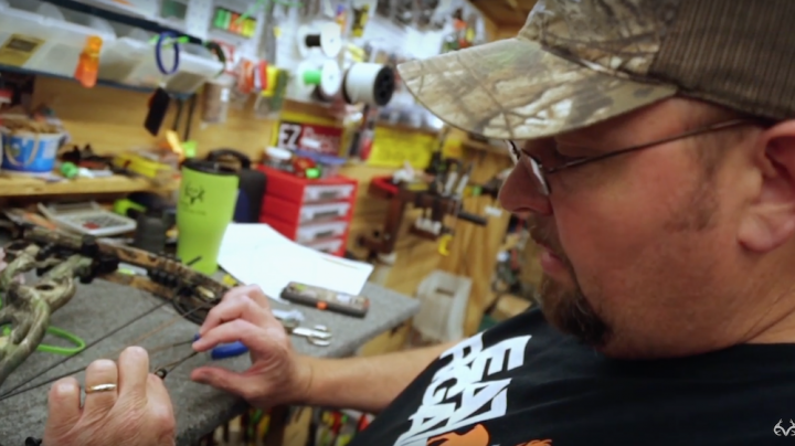 Bowhunting Tips: Attaching a Kisser Button and Peep Sight  Preview Image