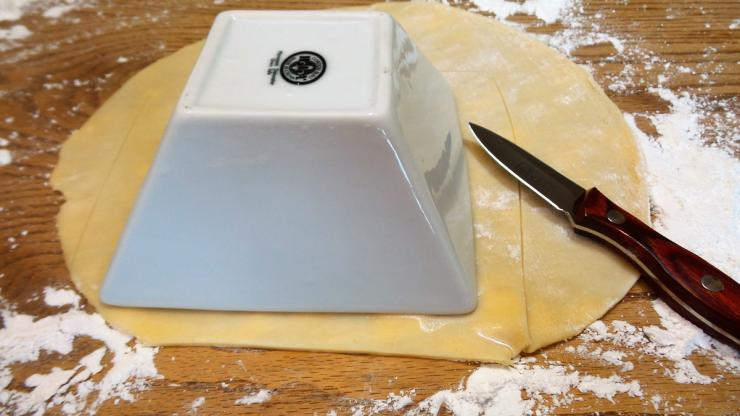 Cut the pie crust slightly larger than the container and crimp to form a tight seal.