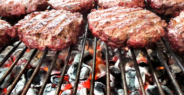 To keep true to the Argentinian style, grill the burgers over hot coals.