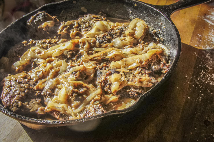Return the liver to the pan and spoon onion gravy over it before serving.