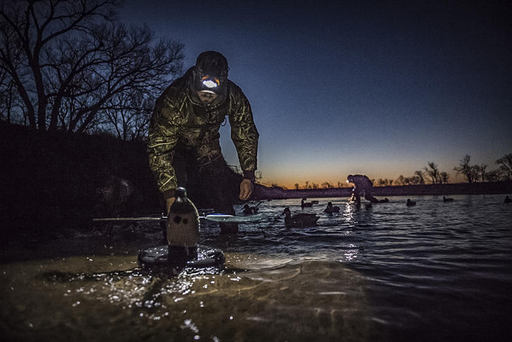placing decoys via spotlight so you're prepared for first light. However, not all scenarios call for this. Photo © Andrew Murray