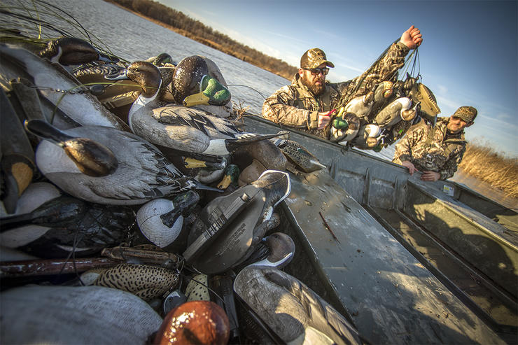 Waterfowl hunting spawns some tricky situations, but the pros often find solutions. Photo © Bill Konway