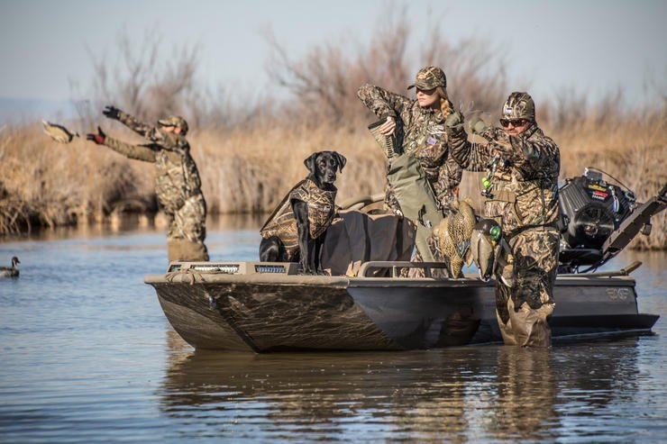 The key to a good flash hunt? Be set up, loaded and ready when the flight begins. Photo © Tom Rassuchine/Banded