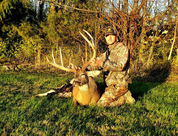 """Johnny's Ohio whitetail features a massive 9-point frame that gross scores 186 4/8 and features a 14"""" G3"""