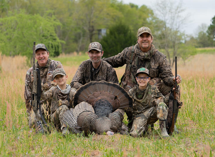 Ricky Joe Bishop, Phillip Culpepper and Sam Klement, with Daryle Singletary's boys. © Realtree photo