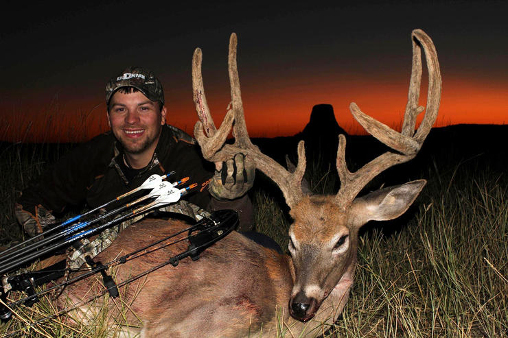 Wyoming is one of the best states to shoot a velvet buck. Image by HeadHunters TV