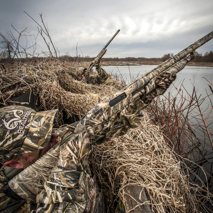 avoid disaster remember safe gun handling when duck huntingin a crowded blind or pit, your safe zone of fire is 10 o\u0027