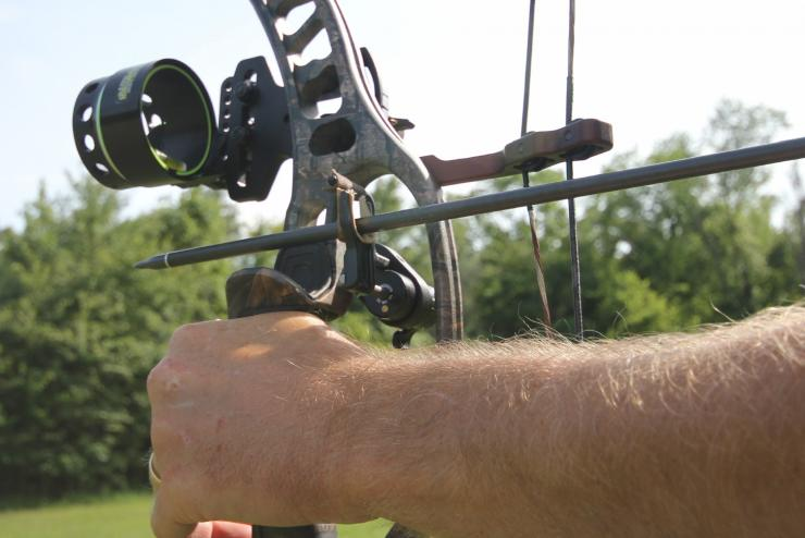 Make Your Bow Shoot Better with a Drop-Away Arrow Rest