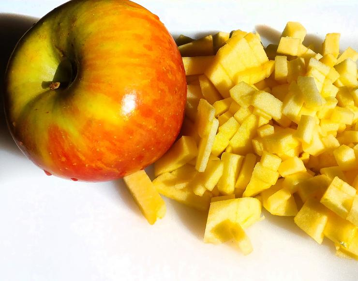 Pick a tart apple like Fuji or Granny Smith to hold up to the other bold flavors.