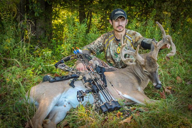 The author with his Kentucky buck. (Kathryn Honeycutt photo)