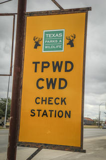 A CWD check station in Texas. Image by Will Brantley