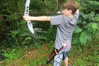 My Kids Test Out the New Easton Beginner Recurve Bow