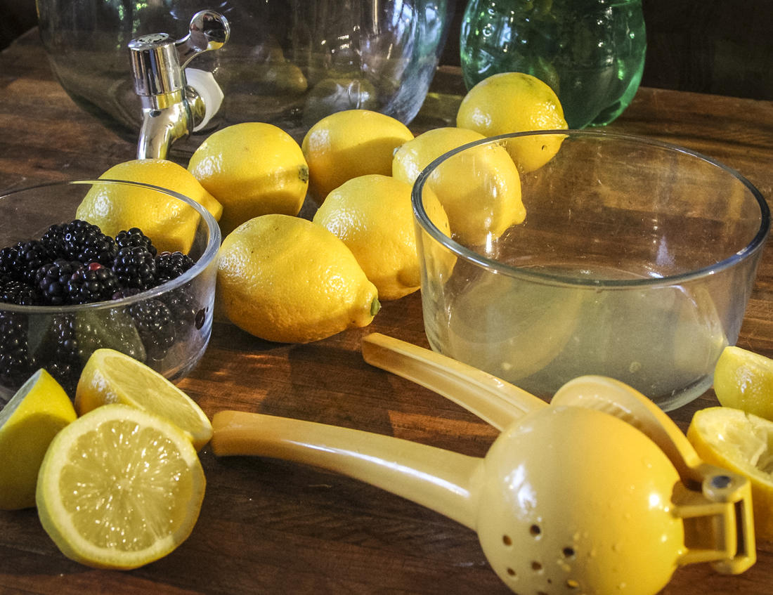 Start by squeezing the juice from 10 lemons.