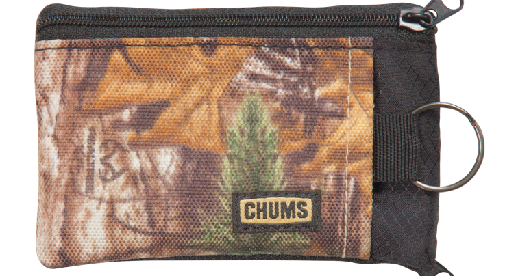 CHUMS Surfshorts Wallet in Realtree Xtra Preview Image