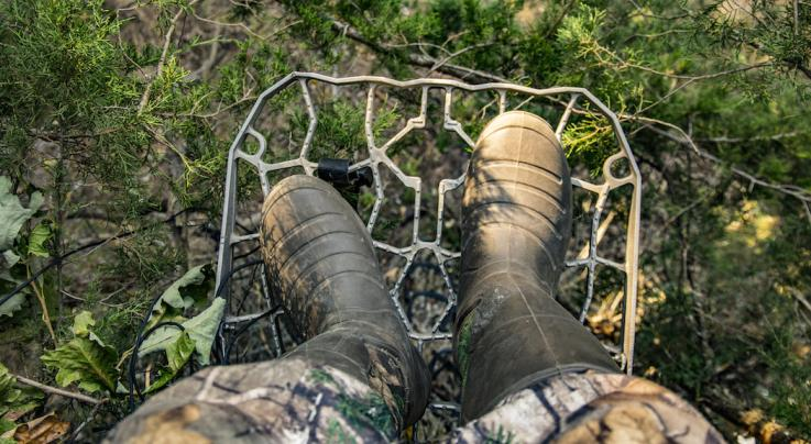 Deer Hunting: Treestand Safety Tips for Bowhunters Preview Image