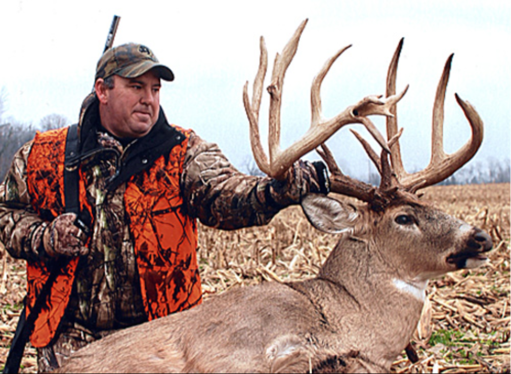 Whitetail with the Longest Main Beam