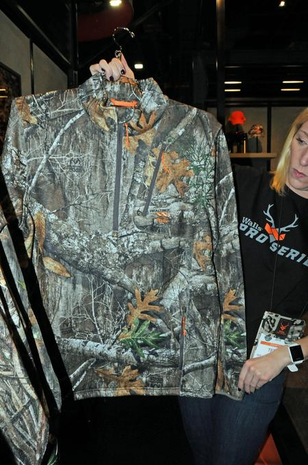 Walls Basecamp Jacket in Realtree EDGE