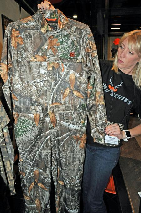 Walls Non-Insulated Coveralls in Realtree EDGE