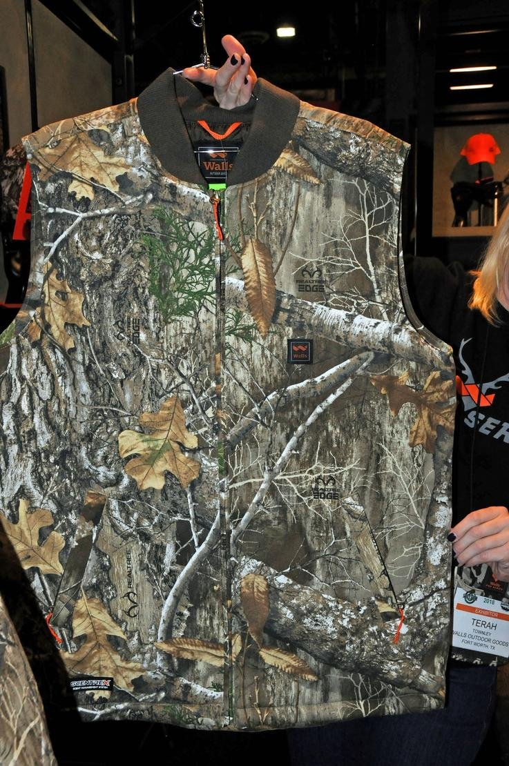 Walls Insulated Vest in Realtree EDGE