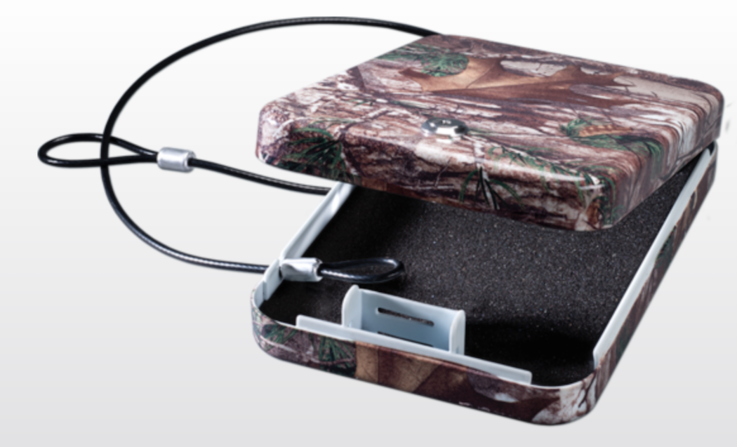 Stack-On Large Portable Security Case with Key Lock in Realtree Xtra